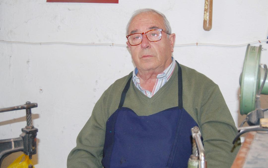 Pepe Cortés, el último zapatero de Arjona