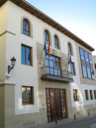 El Ayuntamiento de Torredelcampo vuelve a abrir al público