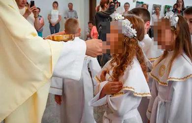 El Obispo de Jaén recomienda a las parroquias el aplazamiento de las comuniones de 2020