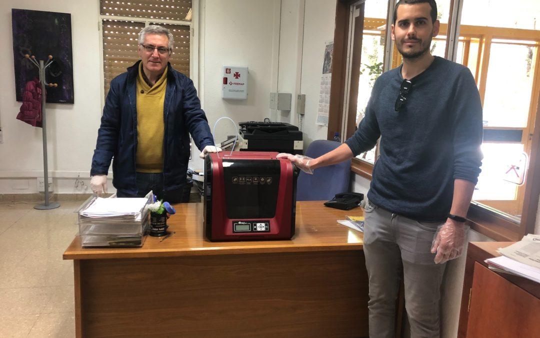 La Universidad Popular de Jaén coopera cediendo una impresora 3D