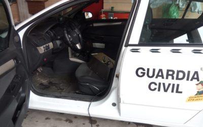 Los Bomberos de Andújar desinfectan con Ozono vehículos oficiales