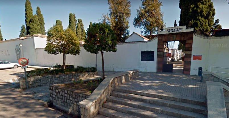 Detenido por profanar tumbas en el cementerio iliturgitano