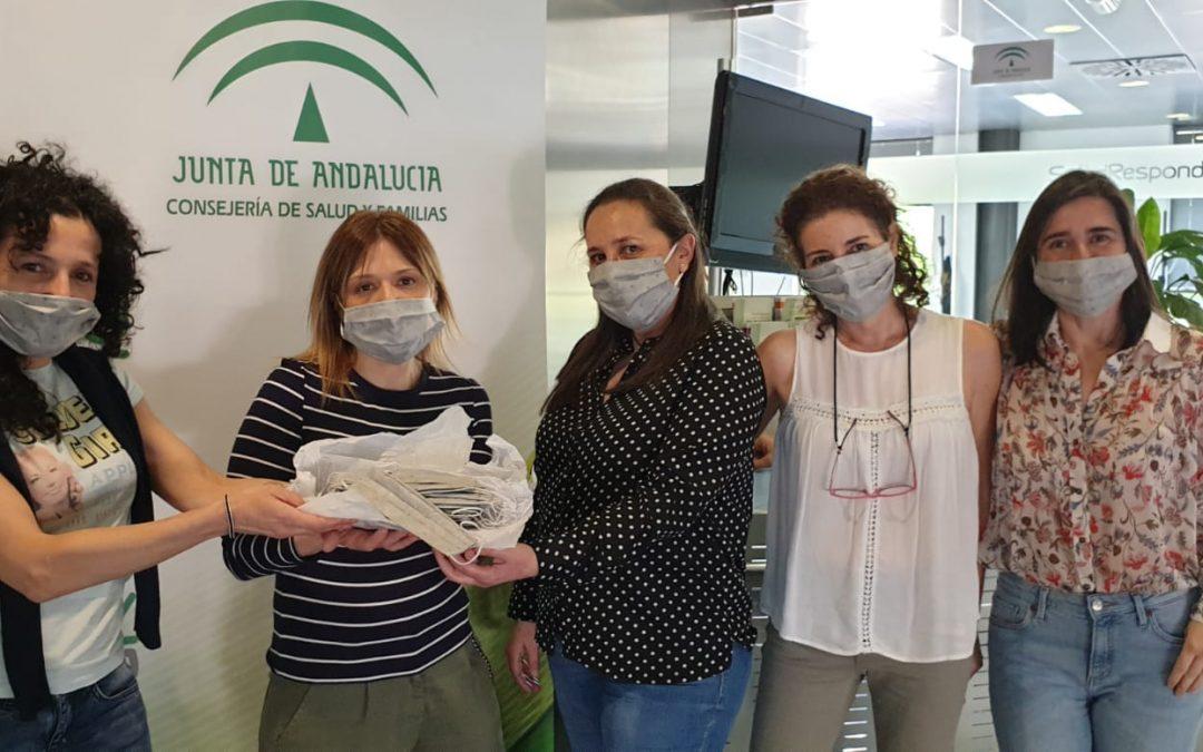 Donación de mascarillas de las costureras tosirianas a Salud Responde