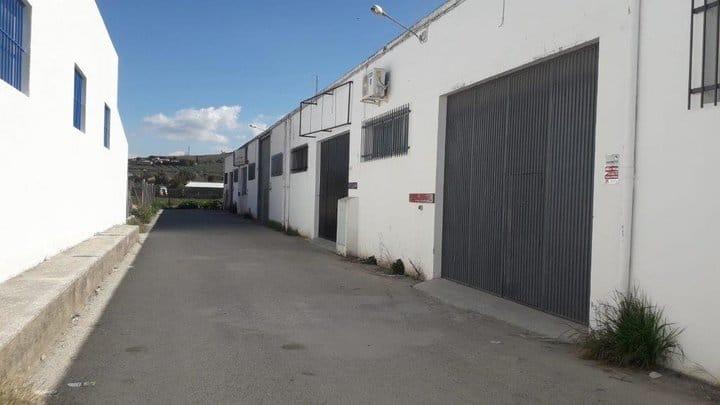 Nuevo intento del CADE de Torredonjimeno para llenar sus naves y locales para emprendedores