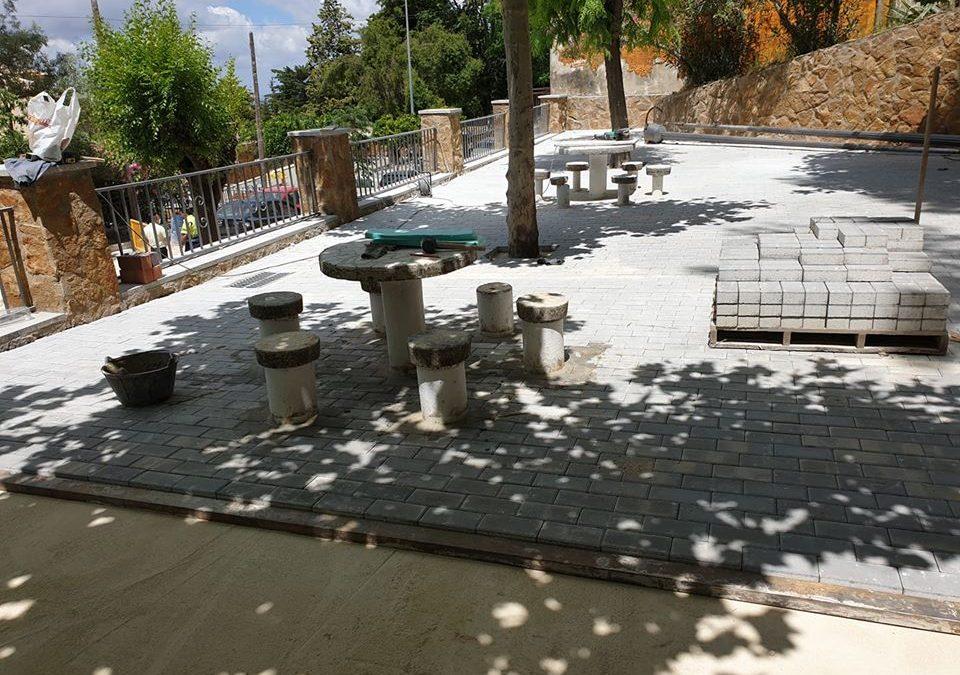 Continúan las labores de arreglo y mejora en el municipio