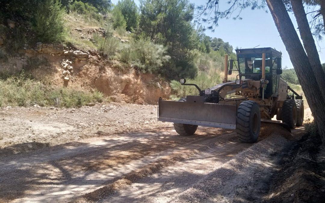 Maquinaria pesada para los caminos rurales de Jamilena
