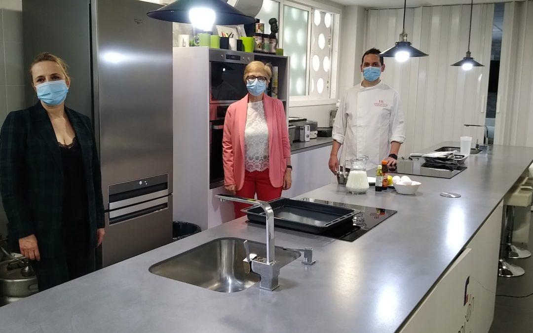Los usuarios del taller ocupacional siguen con sus talleres de cocina en confinamiento