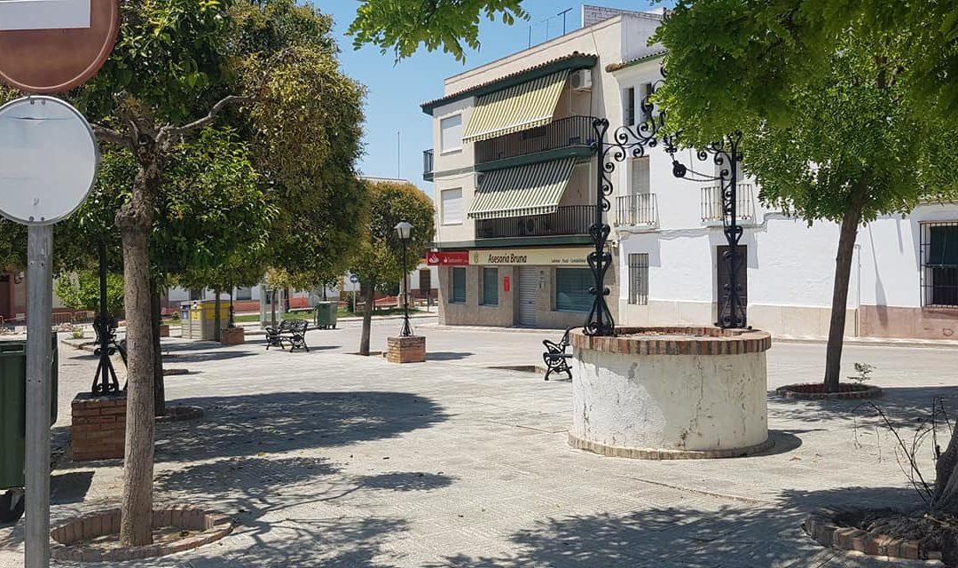 El Ayuntamiento lleva a cabo tareas de campo y el arreglo de la Plaza Juan Rafael Criado