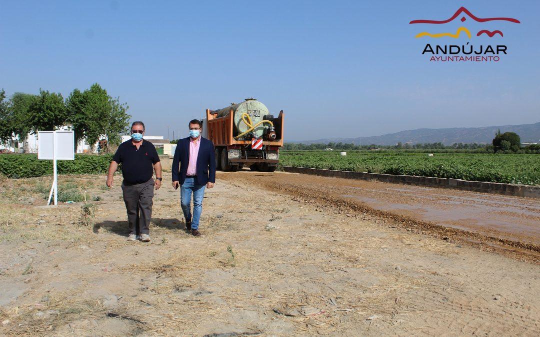El Ayuntamiento invierte más de 13.000 euros en las obras para el arreglo del camino De la Vega y para otro camino en el Sotillo