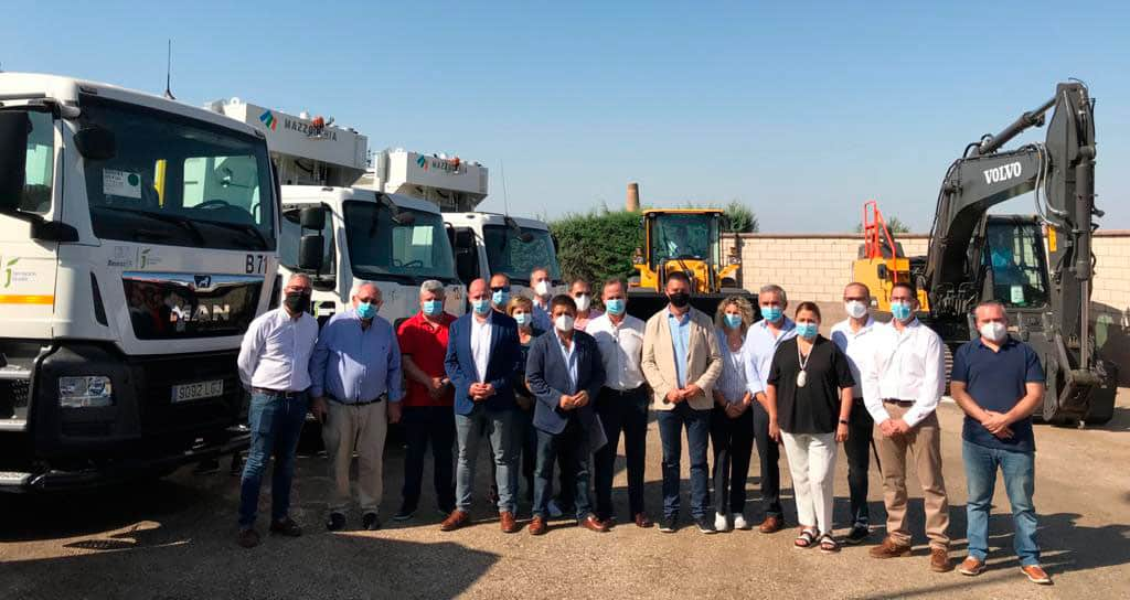 Diputación presenta en Linares los seis nuevos equipos para la recogida y tratamientos de escombros en la provincia