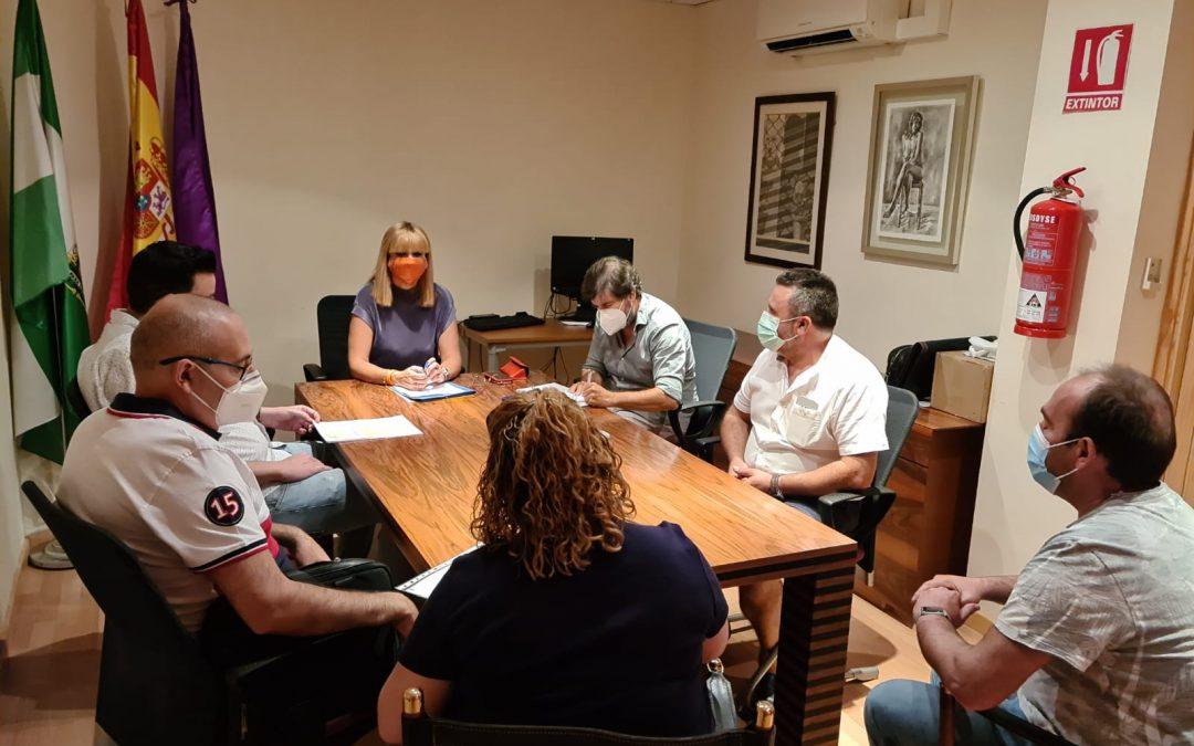 María Cantos tiende la mano a los feriantes en la búsqueda de recursos que les permitan reactivar su sector