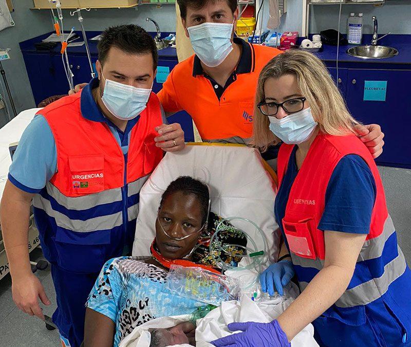 Da a luz en una ambulancia al no llegar a tiempo al Hospital de San Agustín