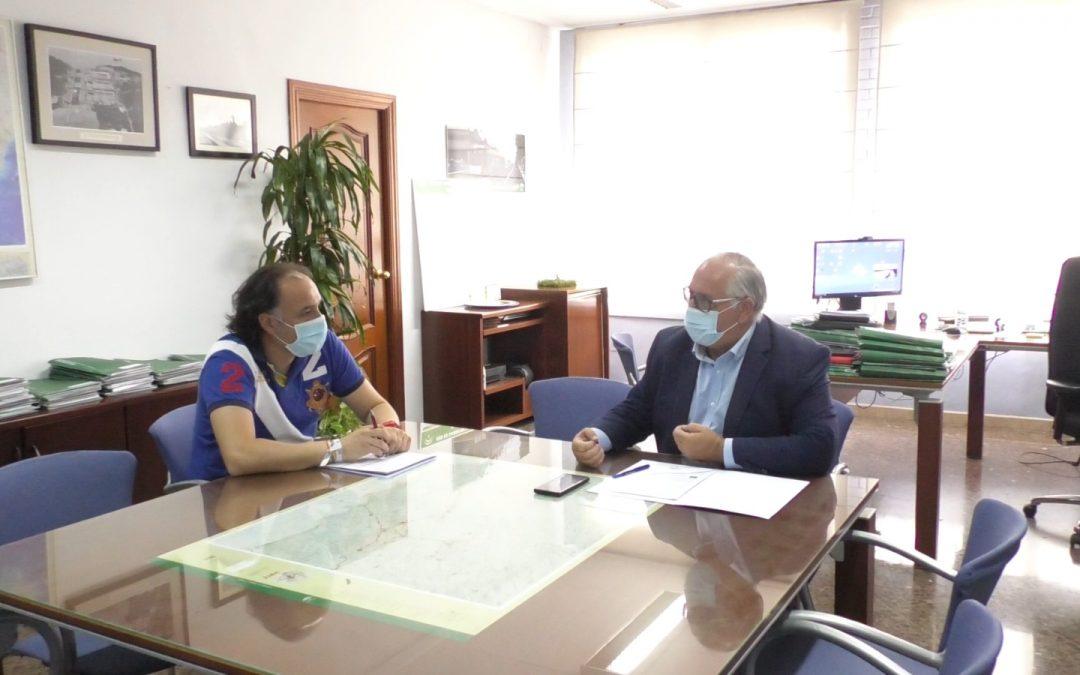Reunión entre Ayuntamiento y Fomento para hablar de proyectos claves en Torredelcampo