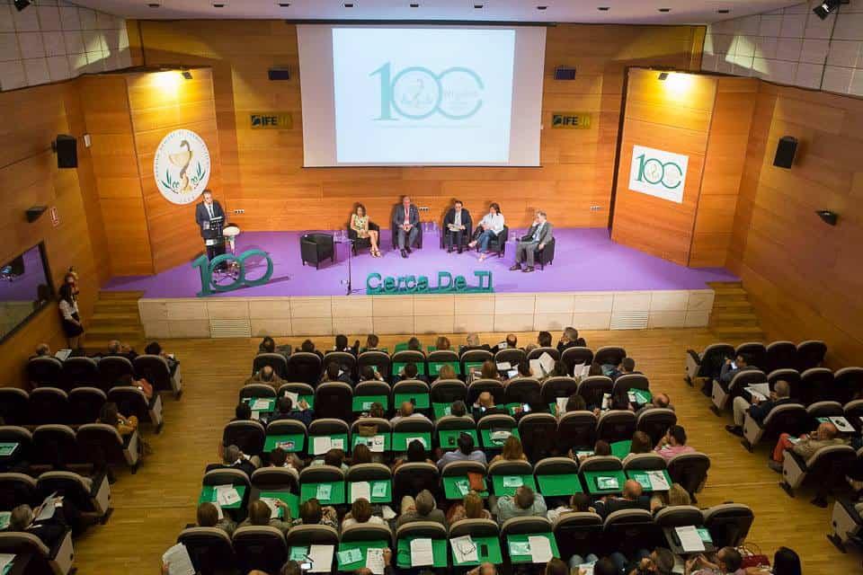 """Ifeja vuelve a la normalidad con una nueva herramienta: una """"feria online"""" con capacidad para reunir 10.000 usuarios"""