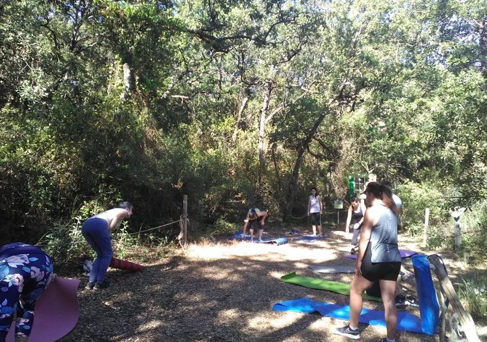 Yoga en La Bañizuela: la propuesta del CEA Acebuche para poner en valor el patrimonio natural de Torredelcampo