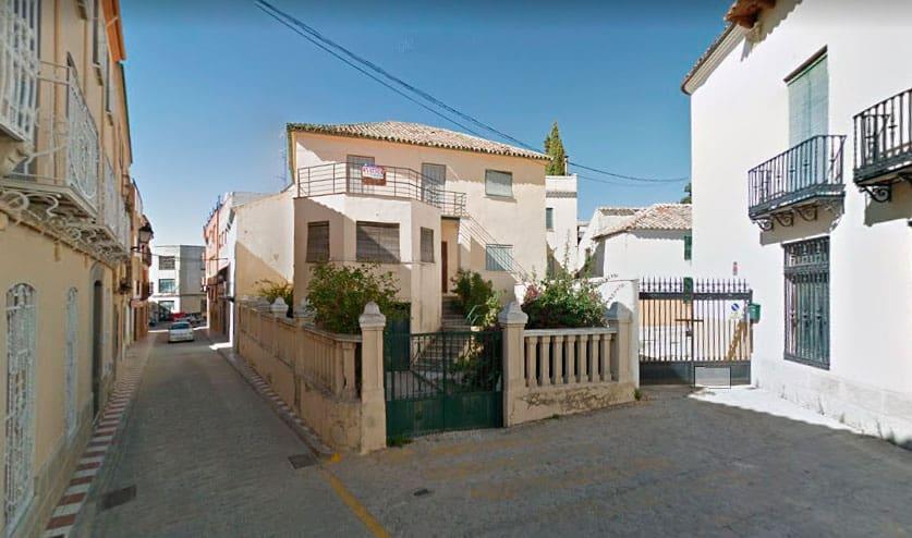 Desaparece una de las edificaciones civiles regionalistas de inicios del siglo XX en Torredonjimeno