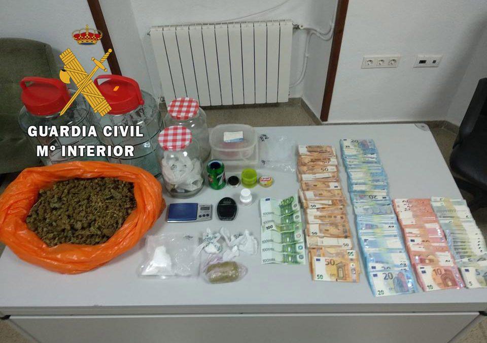 La Guardia Civil detiene a dos personas en Arjona, e investiga a otras dos, como presuntas autoras de un Delito Contra la Salud Pública