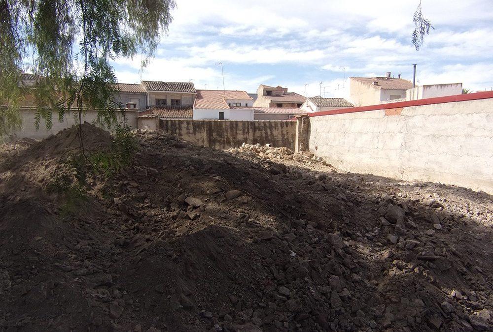 Comienzan las obras del aparcamiento en la calle La Mina