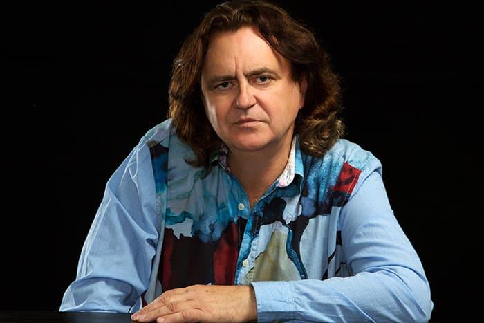"""El cantautor tosiriano Paco Damas canta este viernes a Las Sinsombrero"""" en Torredonjimeno"""