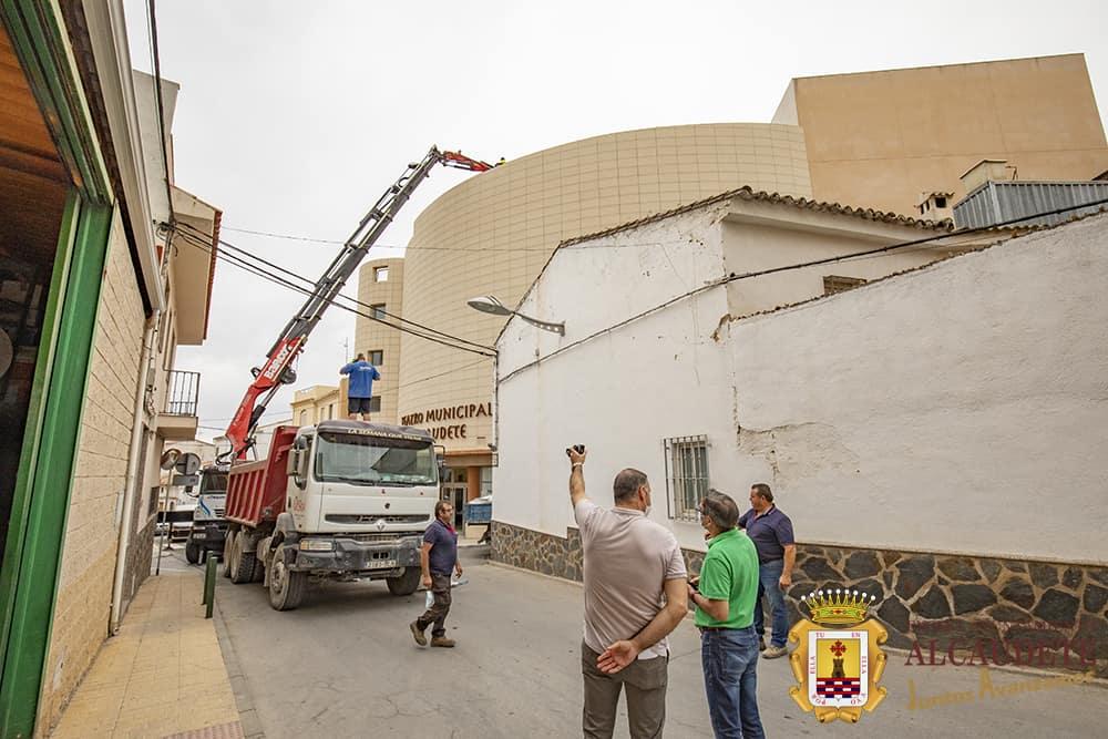 Obras de mejora en las cubiertas del Teatro Municipal de Alcaudete
