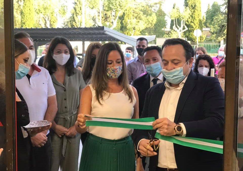 Cash&Carry Díaz Cadenas abre su nuevo centro en La Carolina regalando un jamón al día entre sus clientes