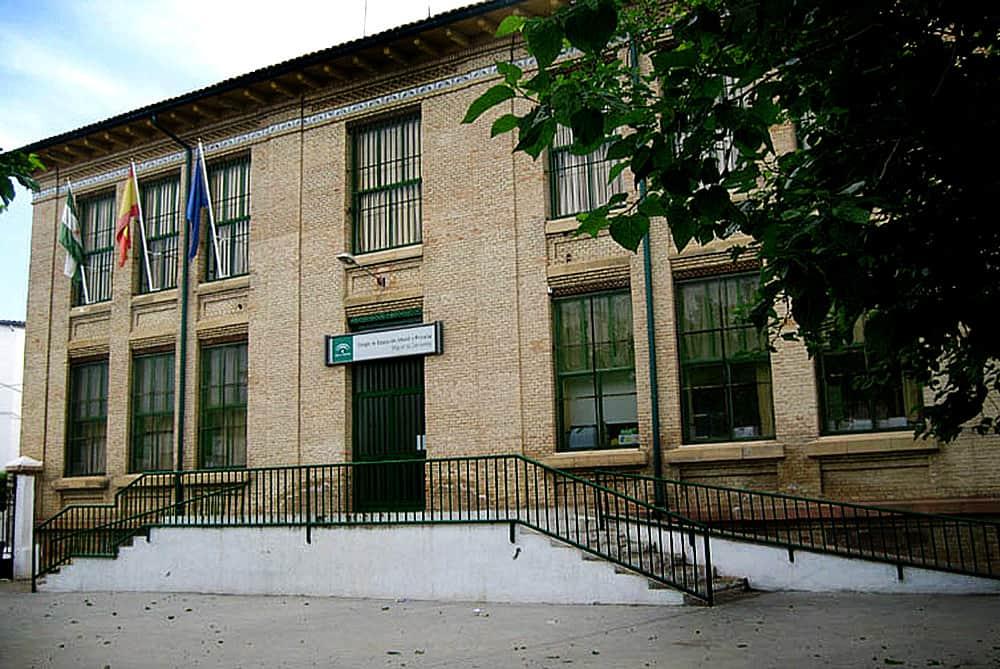 Uceda pide a la Junta de Andalucía desdoblamiento en las aulas del CEIP Miguel de Cervantes
