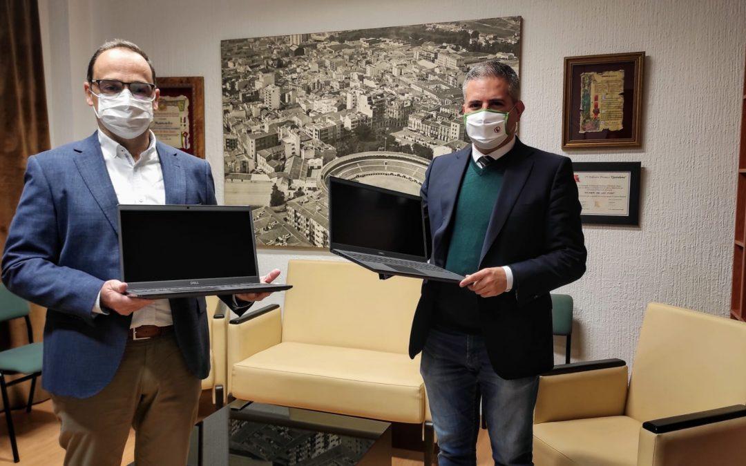 Ordenadores para los centros educativos de Linares