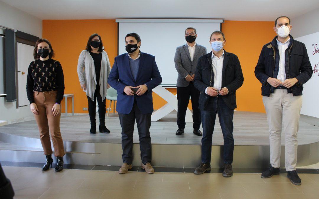 """Reunión de los alcaldes de la comarca para alertar del riesgo de """"fuga"""" de profesionales médicos del Hospital Alto Guadalquivir"""