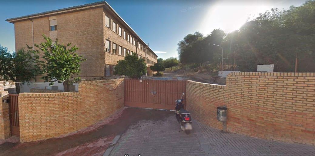 """USTEA e IU dan por hecho el cierre del colegio Muñoz Garnica de la capital y lo considera un """"ataque a la educación pública"""""""