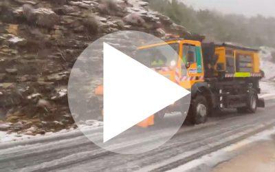 VÍDEO DENTRO: La nieve hace acto de presencia en las sierras jiennenses