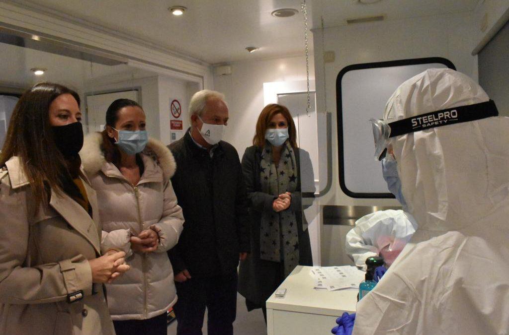 Camión itinerante de la Junta para hacer test de antígenos en Jaén