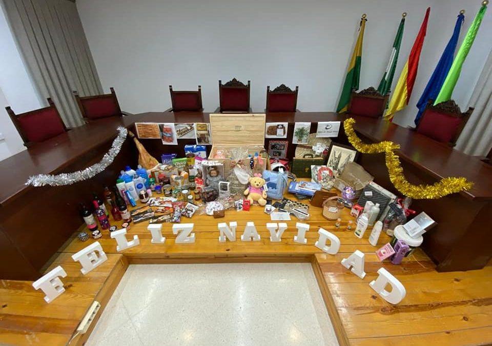 El 11 de enero se sorteará una Cesta de Navidad entre los que han comprado en Lopera