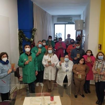 El Ayuntamiento reparte sus felicitaciones hechas por el Centro de día Ocupacional