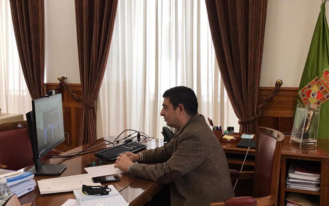 """Reyes pide a El Corte Inglés que """"estudie"""" su decisión de cerrar el centro de Linares"""