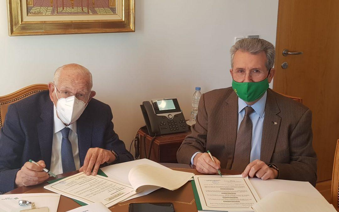 El Colegio Oficial de Médicos renueva su convenio con Caja Rural de Jaén