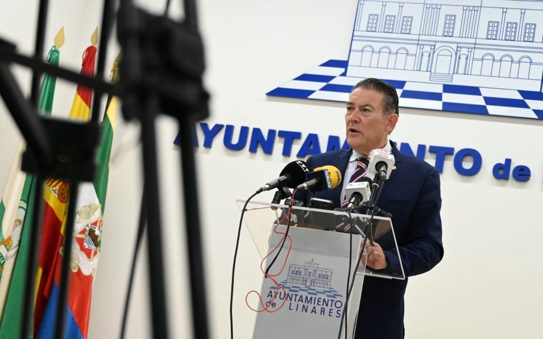Raúl Caro asume más poder municipal en detrimento de Bris e Isac