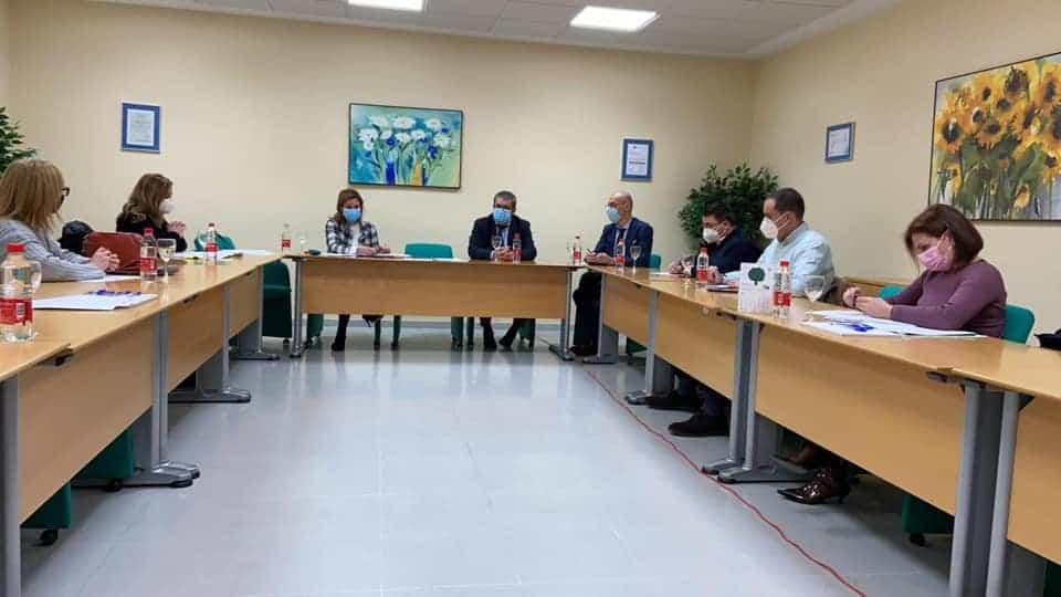 Encuentro en el hospital de Andújar entre Junta y alcaldes para analizar la situación