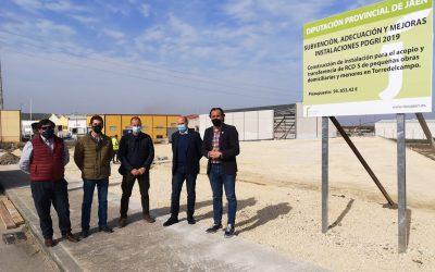 El diputado de Servicios Municipales ha visitado en Torredelcampo las obras del punto de acopio de residuos de la construcción y la demolición