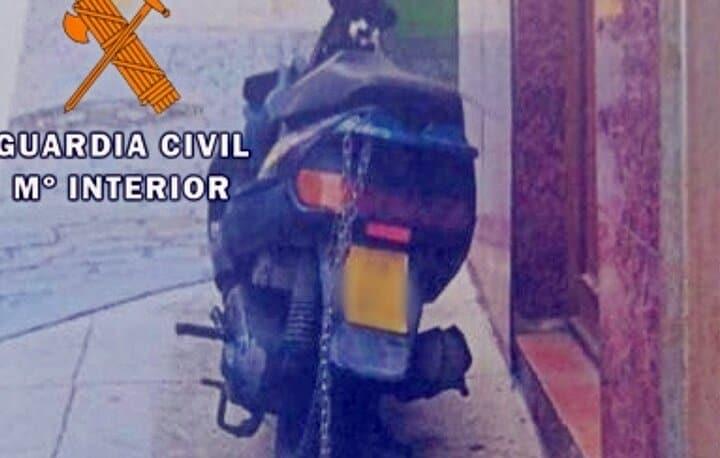 La Guardia Civil detiene a un torrecampeño por usar matrículas falsas