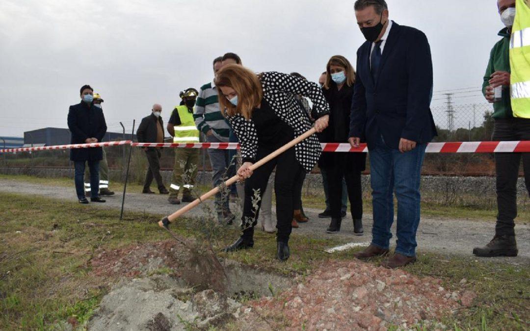 La consejera de Desarrollo Sostenible presenta el anteproyecto de ampliación de la EDAR de Linares