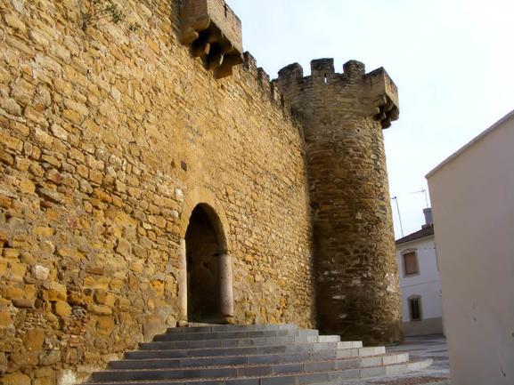 La Consejería de Cultura aprueba la intervención en la Torre de San Miguel y el Castillo de Lopera