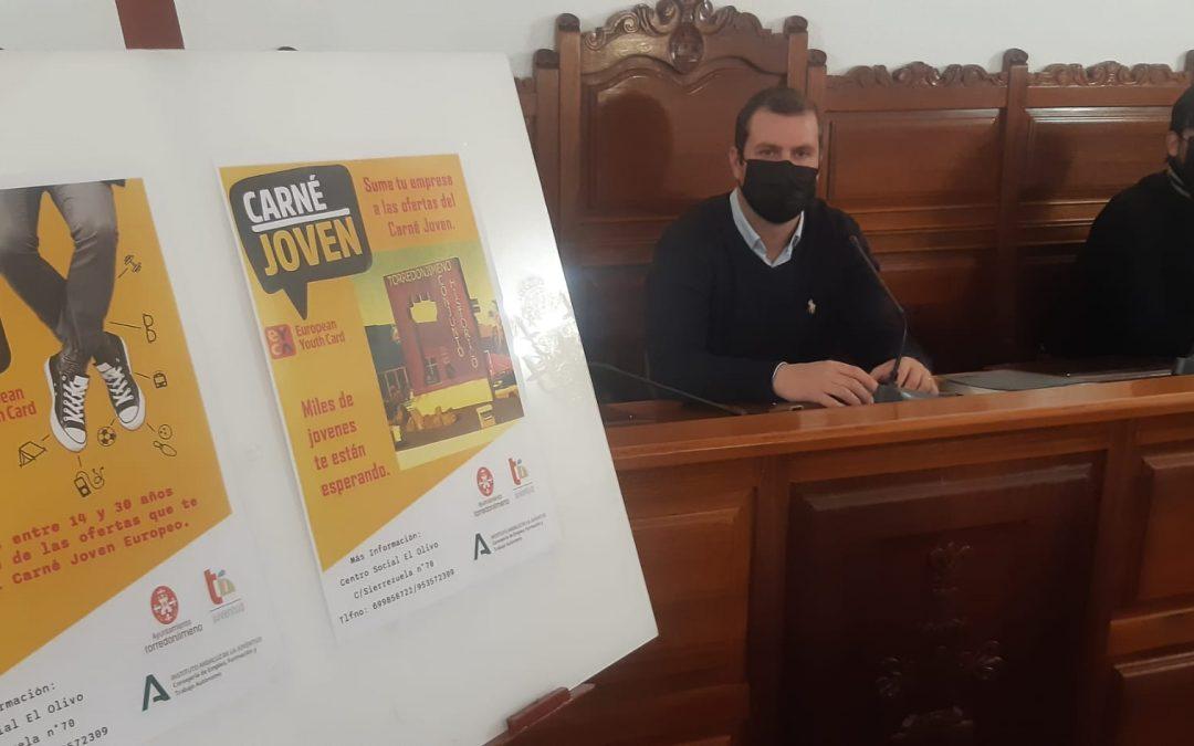 Torredonjimeno impulsa el Carné Joven Europeo para apoyar al comercio y a la juventud