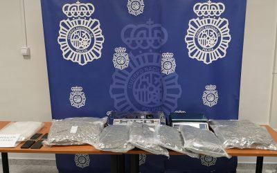 La Policía Nacional detiene en Jaén a dos personas con más de ocho kilos de cannabis