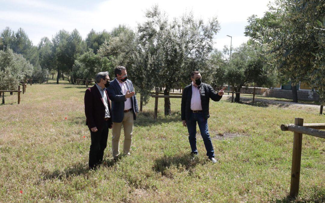 La Diputación promueve un jardín en la Vía Verde del Aceite en Alcaudete
