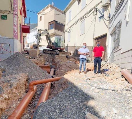 Continúan las obras en la calle Las Eras y la carretera de Ventas del Carrizal