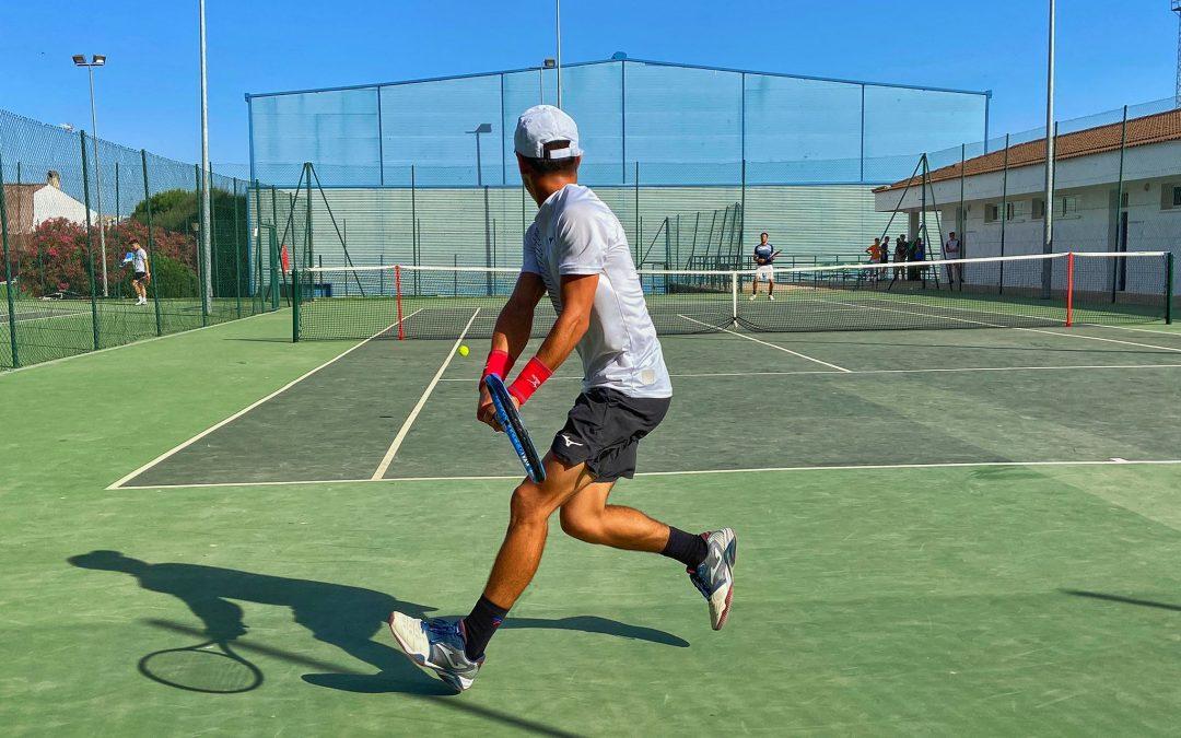 Santiago Blanco, campeón del III Torneo de Tenis Fundación La Carolina