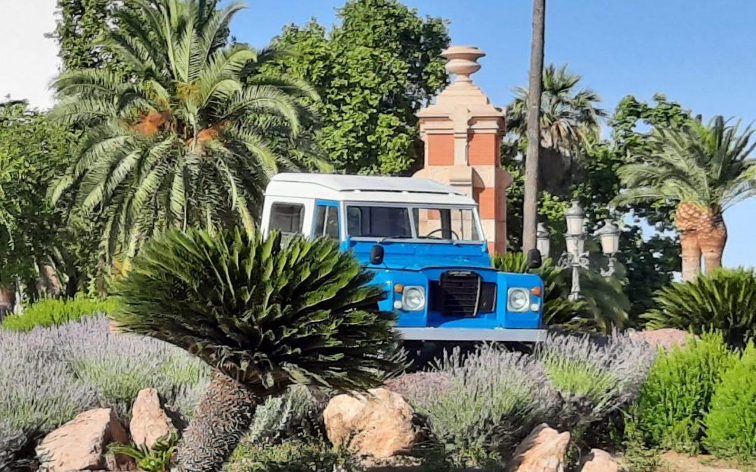 """Linares rinde tributo al """"Land Rover"""""""