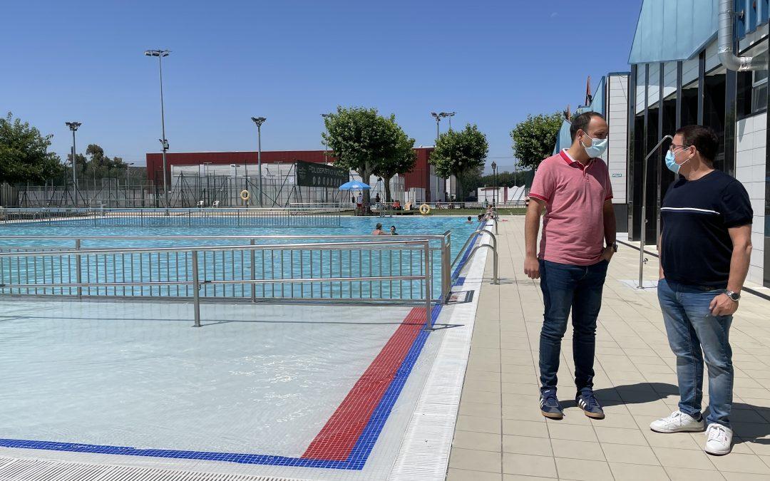 Más de 7.000 usuarios disfrutan de las instalaciones de la Piscina Municipal de Andújar durante el primer mes de apertura
