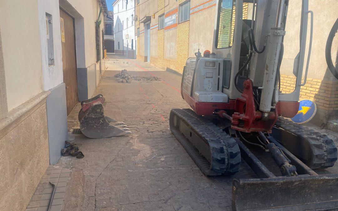 Iniciados los trabajos de renovación de la red de saneamiento del Callejón de La Paz