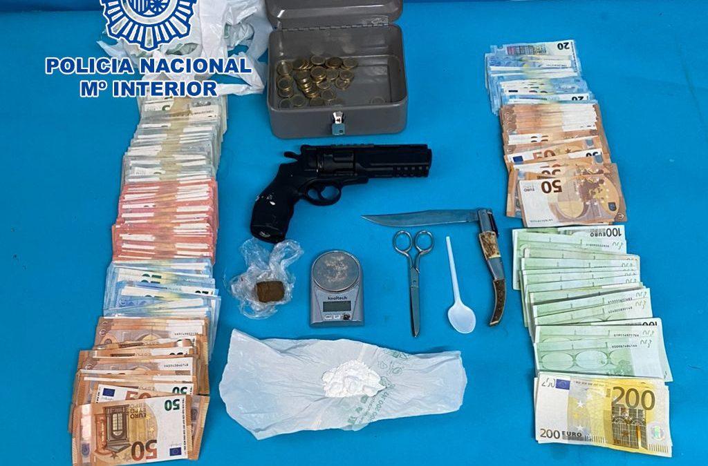 La Policía Nacional desmantela en Linares un punto negro de venta de droga